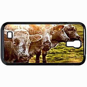 Fashion Unique Design Protective Cellphone Back Cover Case For Samsung GalaxyS4 Case Cow Fence Grass Sunlight Black