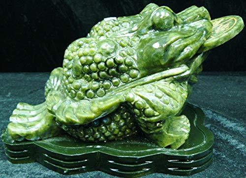 Green Jade Frog with Coin La10