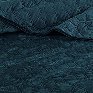 Madison Park Harper Velvet Full/Queen Size Quilt Bedding Set - Teal, Geometric – 3 Piece Bedding Quilt Coverlets – Velvet with 90% Cotton Filling Bed Quilts Quilted Coverlet