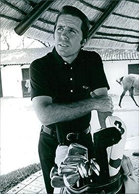 Vintage foto de Gary Player plantea además de una bolsa de ...