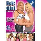 KissMe Girl: Girls Kissing - Vol. 1