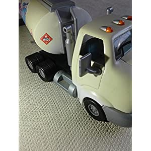 Chevron Cars Travis Tanker, 2 Piece Set, Cab & Tanker