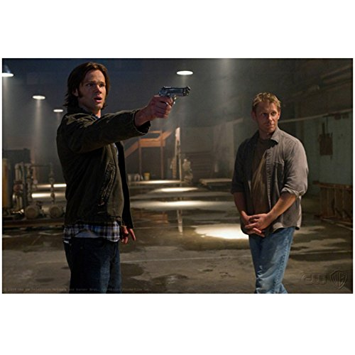 supernatural-tv-series-2005-8-inch-by-10-inch-photograph-jared-padalecki-from-knees-up-pointing-gun-