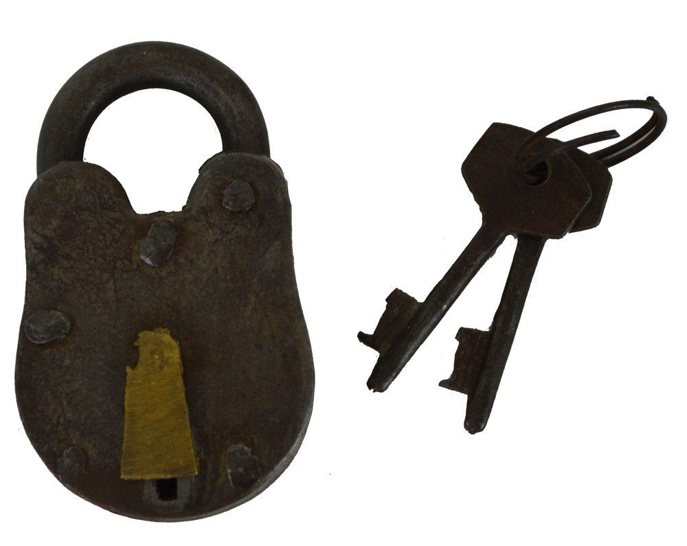 """2.5""""h Antique Look Metal Black Lock and Key - Functioning"""