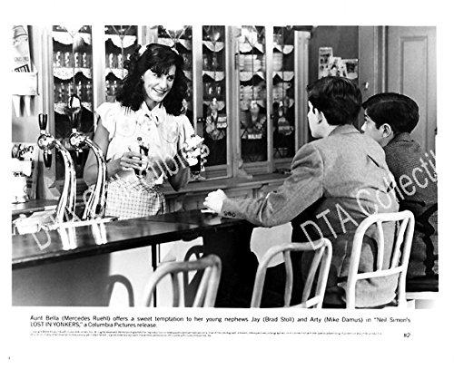 Movie Photo Lost In Yonkers Mercedes Ruehl Brad Stoll Mike Damus Fn