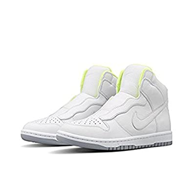 super popular 033a7 e04fc Amazon.com   Nike Womens NikeLab x Sacai Dunk Lux SP White Wolf Grey Volt 5    Fashion Sneakers