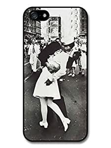 Retro Vintage WWII Kiss Sailor and Nurse In New York Black and White Style case for iphone 6 plus