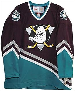 71dab7aa0 Amazon.com: Vintage Mighty Ducks of Anaheim 1997-2003 Purple Hockey Jersey  (Small) (0703510626622): Books