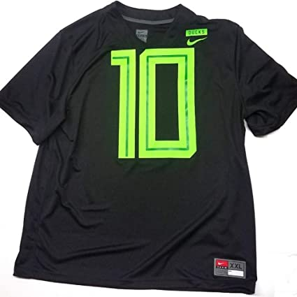 competitive price bbf99 83d16 Amazon.com : Nike Men's #10 Oregon Ducks Black Neon 2018 ...
