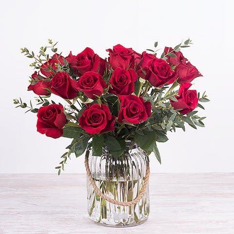 Fiori 24 Ore.Fiori Freschi Florachic 20 Rose Rosse Con Vaso Invio Gratis In