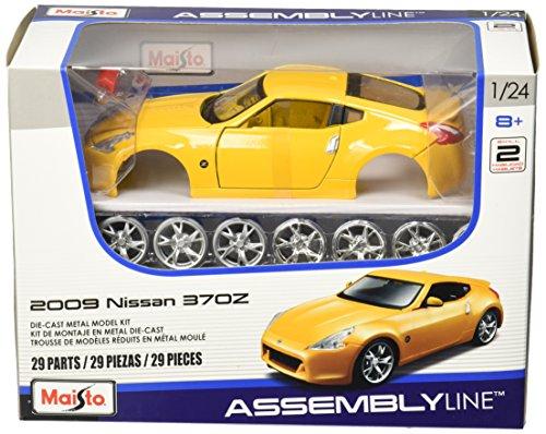 Maisto 1:24 Scale Assembly Line 2009 Nissan 370Z Diecast Model (Nissan Model Kit)