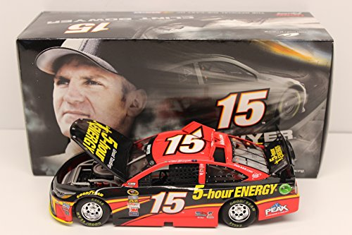 Michael Waltrip Racing Driver - Lionel Racing Clint Bowyer #15 5-Hour Energy 2015 Toyota Camry Nascar 1:24 Scale Arc Hoto Official Diecast Car