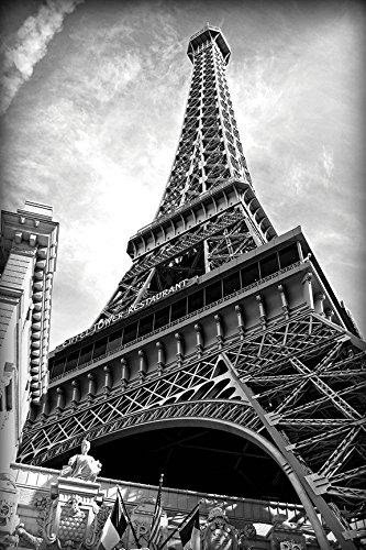retcomm solutions eiffel tower black n white canvas painting 60 96 rh amazon in black n white kaffee black n white the mayor 3