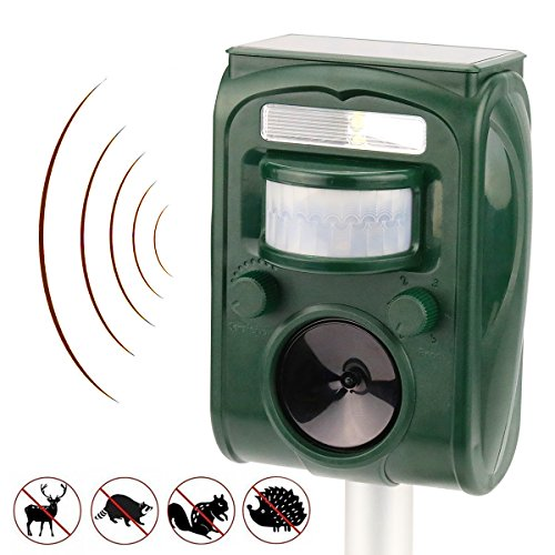 Wikomo Ultrasonic Pest Repeller,Solar Powered Waterproof Outdoor Animal Repeller with Ultrasonic sound,Motion Sensor and Flashing Light pest repeller for Cats, Dogs, Squirrels, Moles, Rats (Dog Solar Repellent)