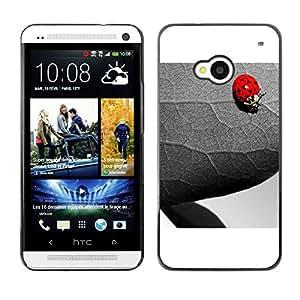 Caucho caso de Shell duro de la cubierta de accesorios de protección BY RAYDREAMMM - HTC One M7 - The Ladybug And Leaf