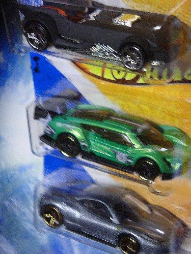 (Hot Wheels Detailed Diecast The Batman Batmobile - Super Blitzen - Ferrari 458 Italia FTE 1/64 Scale)