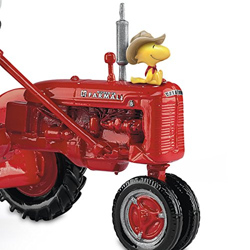 Peanuts Snoopy And Woodstock On A Farmall Tractor Figurine