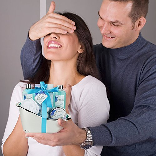 A Husband's Baby Shower Gifts to His Wife – 4 Ideas to Shower Her With Love and Support