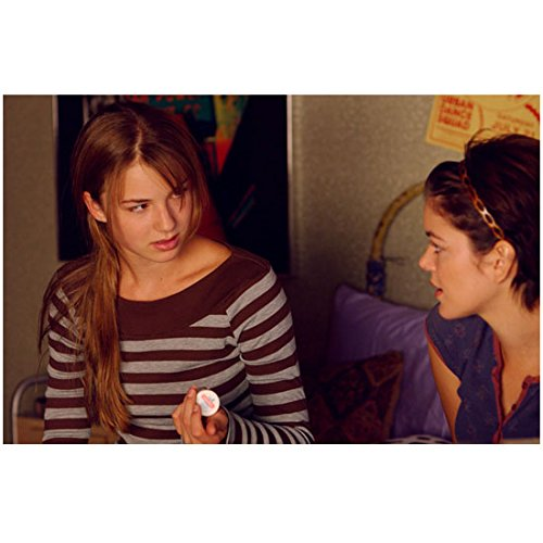 Emily VanCamp 8 Inch x10 Inch Photograph Everwood (TV Series 2002 - 2006) Holding Prescription Bottle w/Nora Zehetner - Prescription Pictures