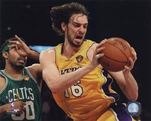 Pau Gasol - 2010 NBA Finals Action Game 6 (# 17)  Artistica di Stampa (25,40 x 20,32 cm): Amazon.es: Hogar
