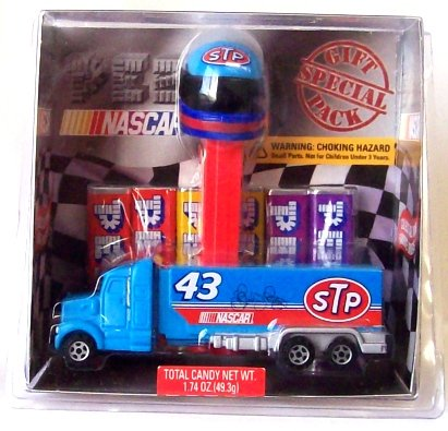 PEZ NASCAR Richard Petty Gift Set