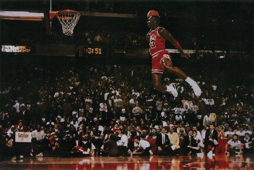 Michael Jordan Dunk 24