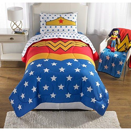 Wonder Woman Girls Twin/Full Comforter and Sham Set (Wonder Woman Bedding Full)
