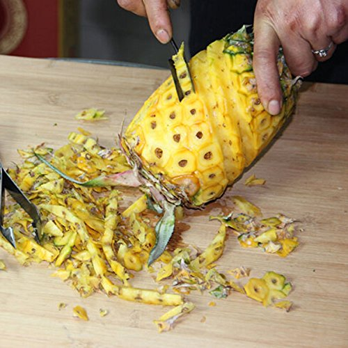 Cutting a pineapple quickly and easily
