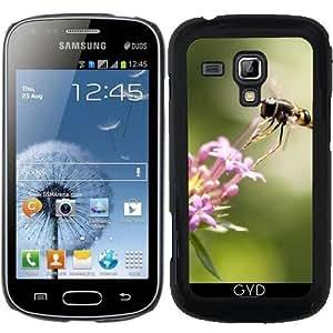 Funda para Samsung Galaxy Trend S7560 - Abeja Vuela A Una Flor by UtArt