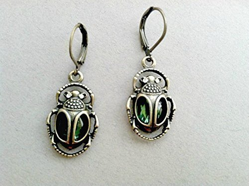 emerald-cleopatra-beetle-dangle-earrings-egypt-pharaoh-green