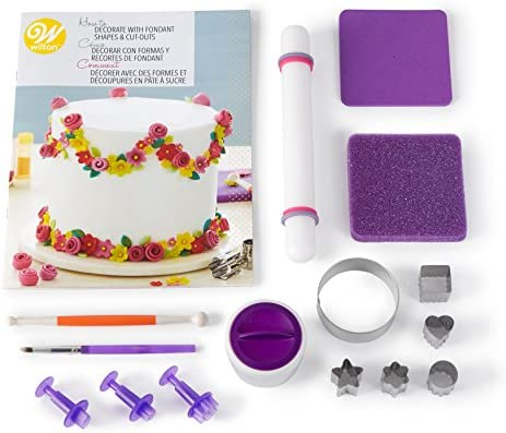 Amazon Com Wilton How To Decorate With Fondant Shapes And Cut Outs