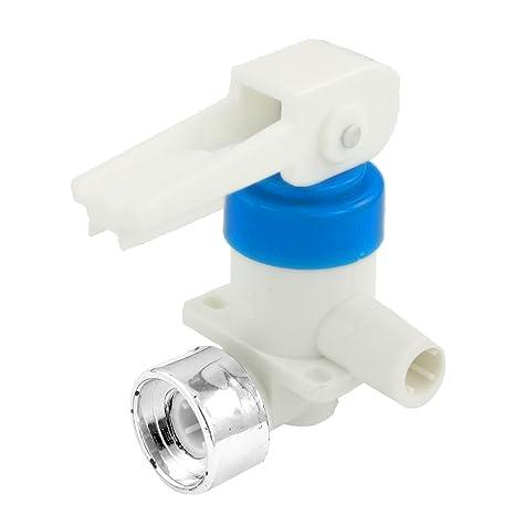 1,23 cm Diámetro de entrada de botón de plástico grifo para dispensador de agua