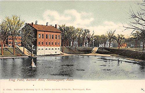 Fron Pond & Bartlett Mall Newburyport Massachusetts ()