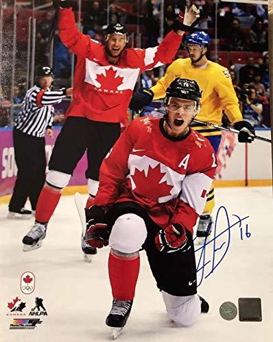 Jonathan Toews Autographed 8x10 Photo - 2014 Olympics Team Canada - Chicago Blackhawks - Frameworth Authentic