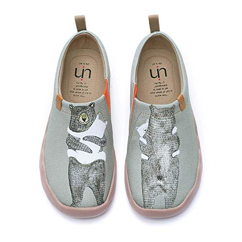 UIN Women's Slip Ons Canvas Lightweight Flats Sneakers Walking Casual Art Painted Travel Shoes Cute Bear Warm Heart