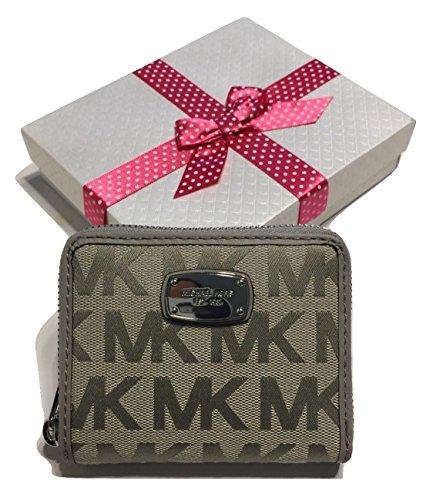 michael-kors-signature-mk-za-bifold-jet-set-clutch-wallet-light-grey-jacquard