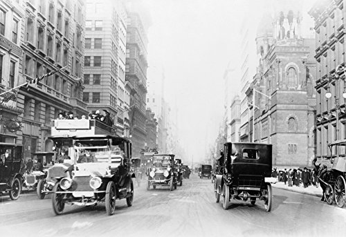 Avenue Street Scene - 5th Avenue Street Scene in New York City Photograph (16x24 SIGNED Print Master Giclee Print w/ Certificate of Authenticity - Wall Decor Travel Poster)