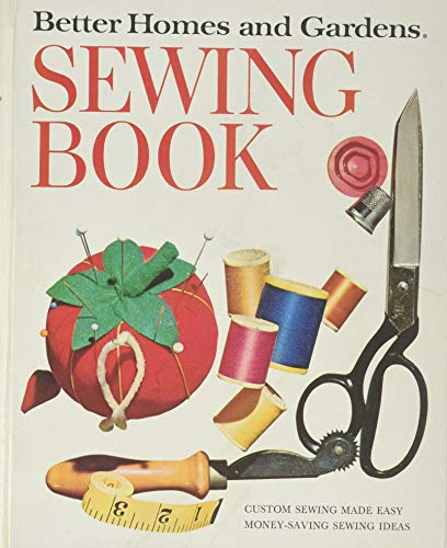 Better Homes and Gardens Sewing Book, Ring Binder (Umbrellas Game Garden)