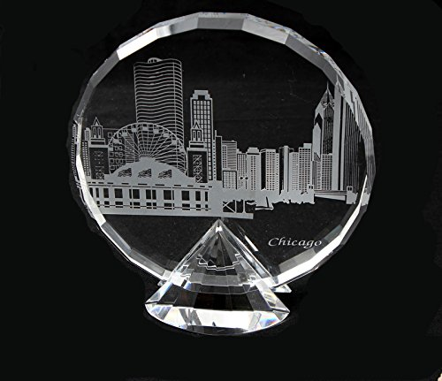 Faceted crystal w/deep etched Chicago Skyline on diamond shaped Pedestal (Med) ()
