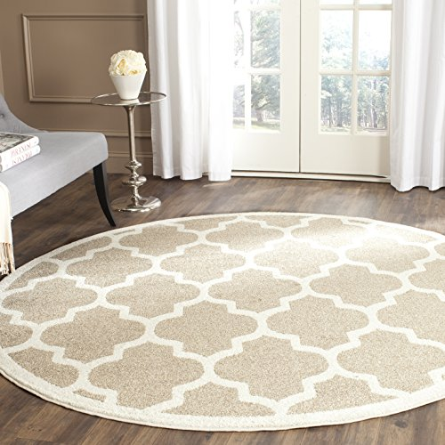 Safavieh Amherst Collection AMT420S Wheat and Beige Indoor/ Outdoor Round Area Rug (7' Diameter)
