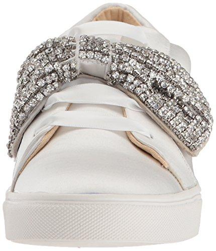 Azul De Betsey Johnson Mujeres Sb-maxi Sneaker Ivory Satin