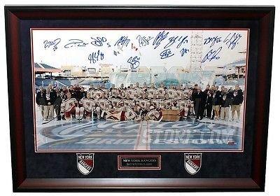 2012 Team Framed Photo - New York Rangers Signed 2012 Winter Classic Team FRAMED 18x30 Pano Callahan ++