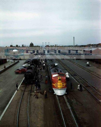 1943 Santa Fe Super Chief New Mexico Railroad Train [8 x 10 Photograph]
