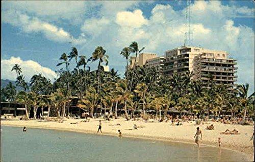 Hilton Hawaiian Village Honolulu Original Vintage Postcard