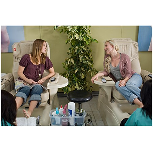 hes-just-not-that-into-you-mary-drew-barrymore-and-anna-scarlett-johannson-at-nail-salon-8-x-10-inch