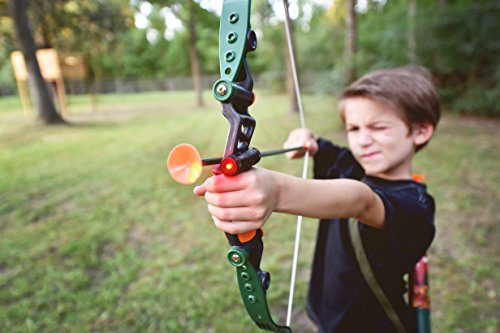 512O6xw 5wL - Sunny Days Entertainment Maxx Action Hunting Series Toy Archery Bow & Arrow Set with Target and Accessories
