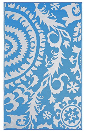 Funky Blue Area Rugs Check Out These Creative Designs