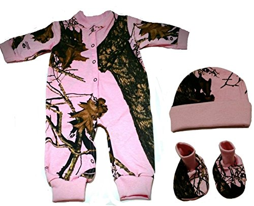 Mossy Oak Pink Camo Infant/Baby Gift Set with Creeper, Hat & Booties (Newborn)