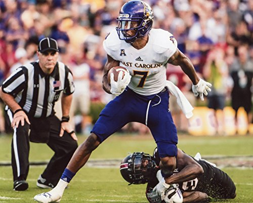 ZAY JONES EAST CAROLINA PIRATES FOOTBALL 8X10 SPORTS ACTION PHOTO (GG)