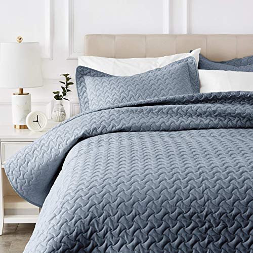 AmazonBasics Oversized Embossed Coverlet – Full/Queen, Spa Blue Wave